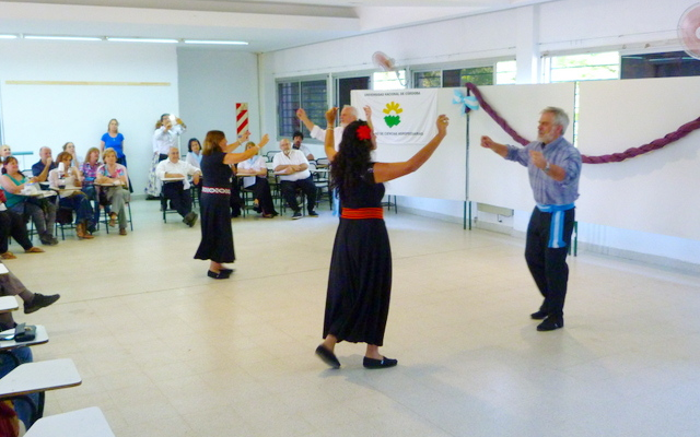 Tarde de danzas en las Aulas Sur