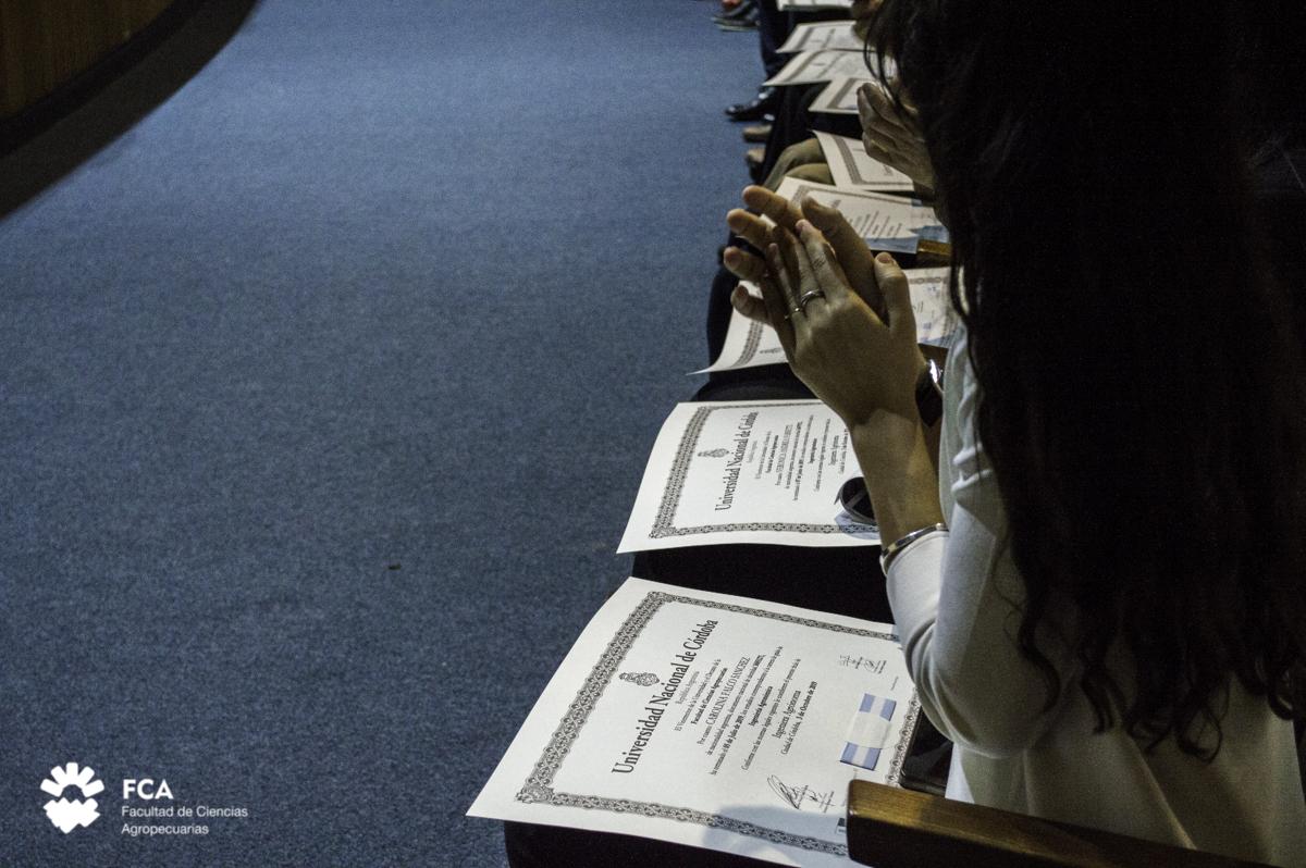 Estudiantes y Egresados de la FCA pueden solicitar el Título de Bachiller Universitario
